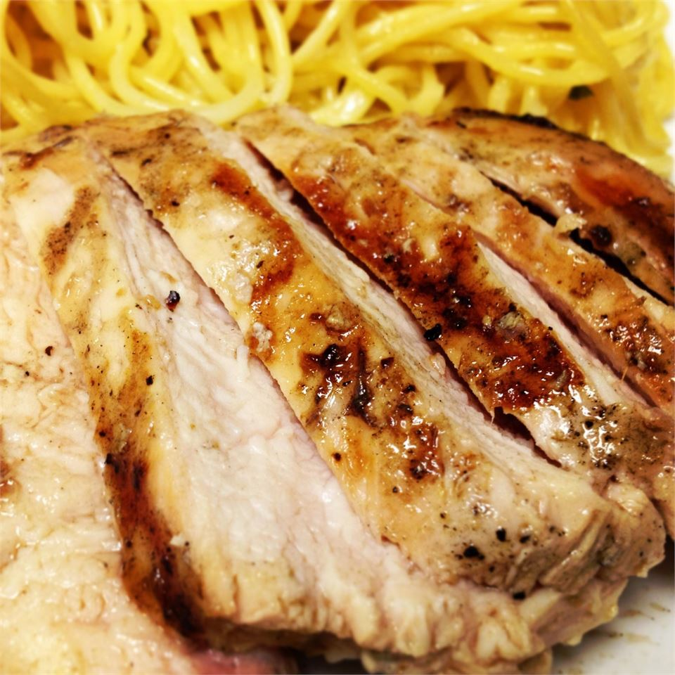 sliced grilled chicken thighs with spaghetti
