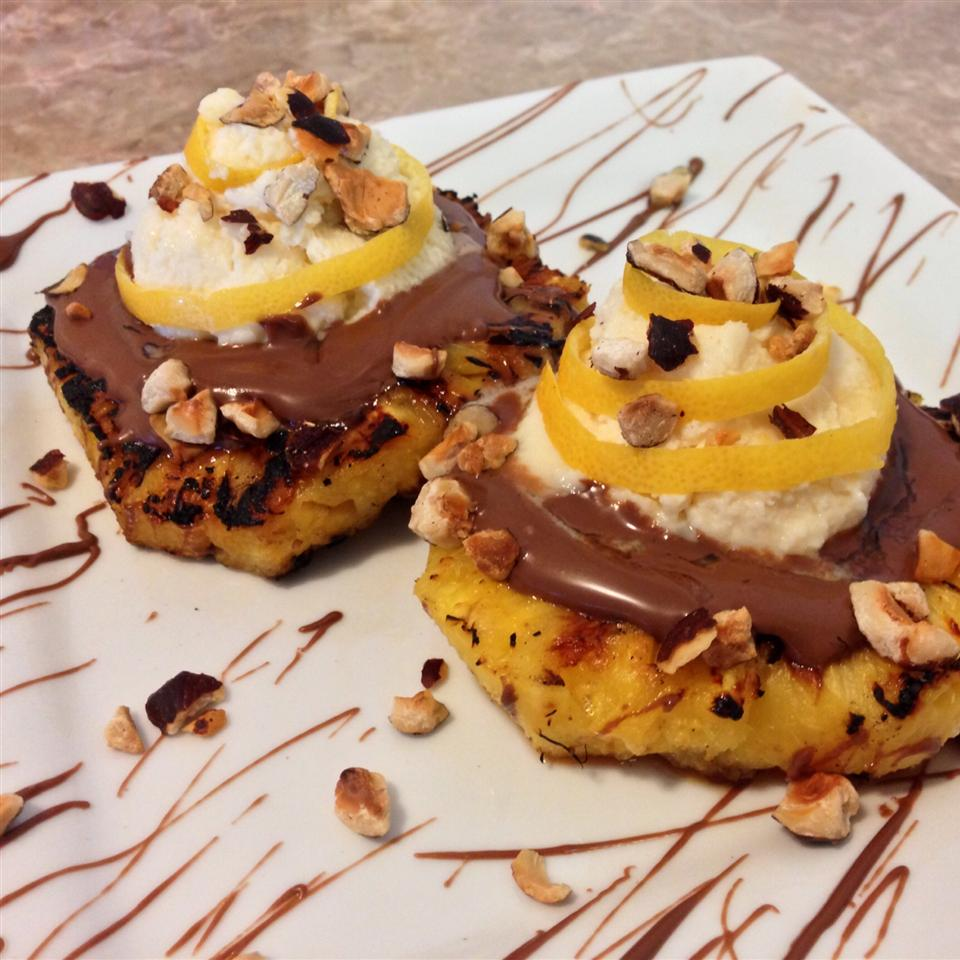 grilled pineapple slices with chocolate and mascarpone