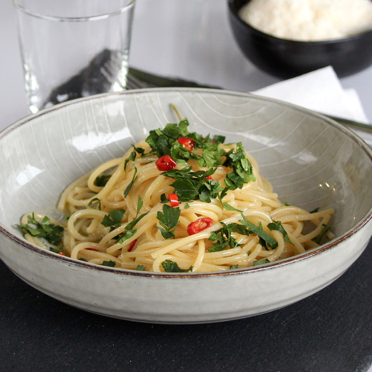 spaghetti with olive oil and red pepper flakes