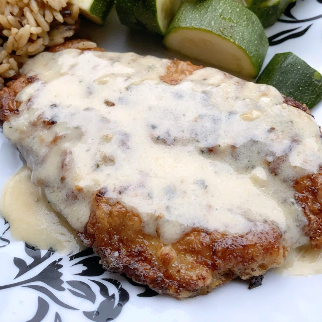 breaded chicken with creamy sauce