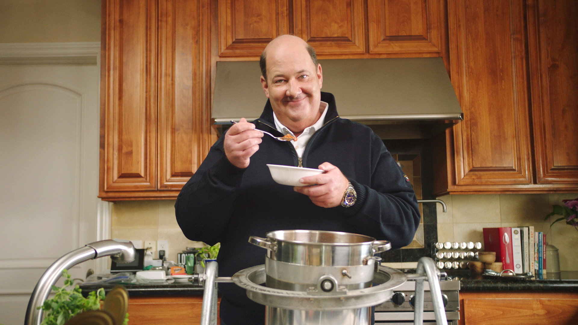 Brian Baumgartner eating chili