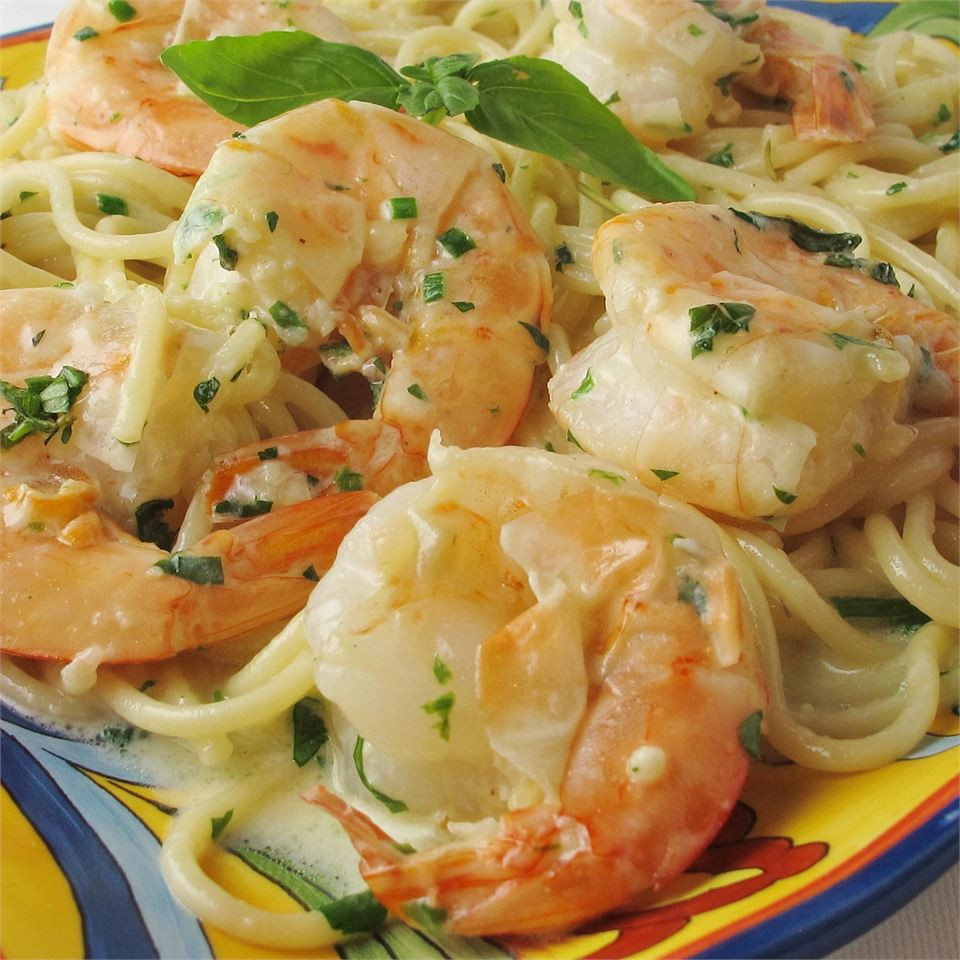 Cooked fresh shrimp and linguine pasta are tossed in a rich and creamy garlic and herb sauce for an incredibly quick and easy Italian-style meal. Add in some baby spinach leaves at the same time as the herbs for a nutritional boost.
