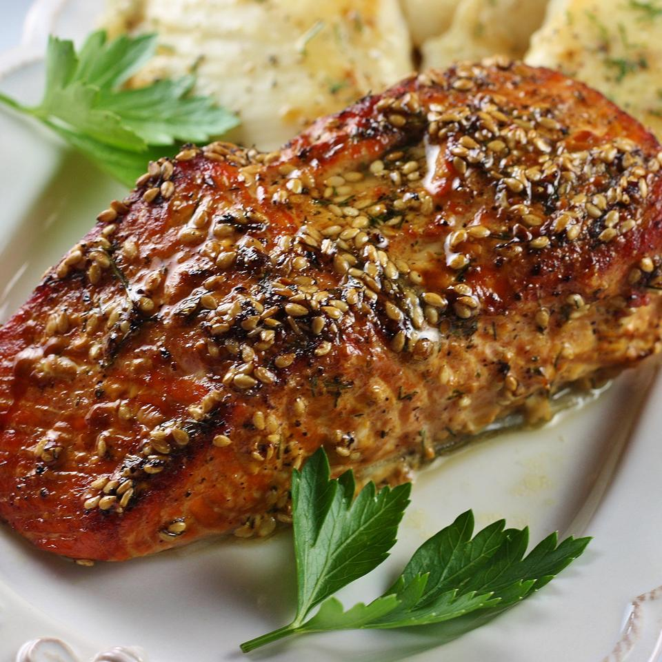 salmon filet with sesame seeds and sauce