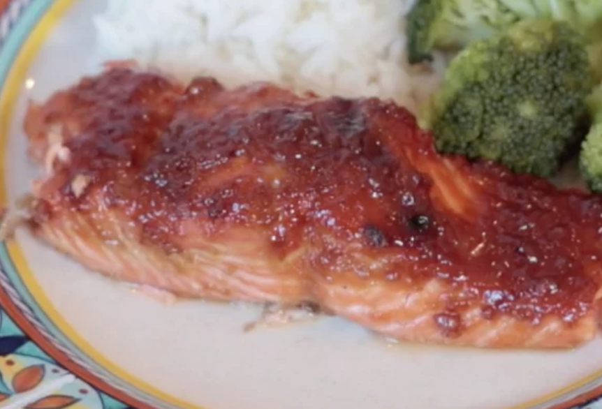 This ginger- and teriyaki-glazed salmon tastes fancy, according to recipe creator Dads That Cook, but it's simple enough to make on a busy weeknight. The three-step recipe comes together in under half an hour.