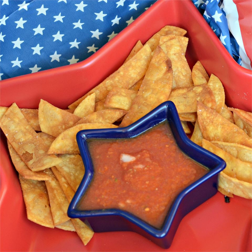 Simple Spicy Salsa in a star-shaped bowl