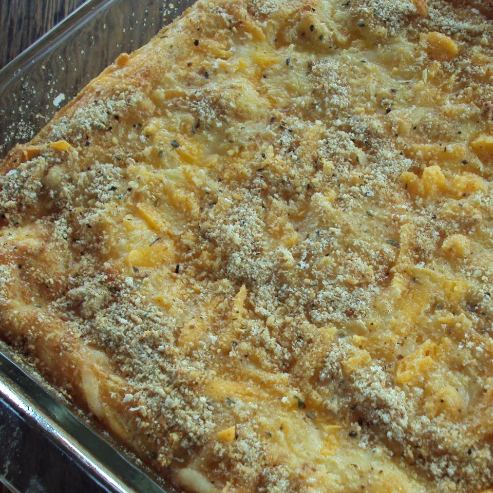 gratin with cheese and bread crumb