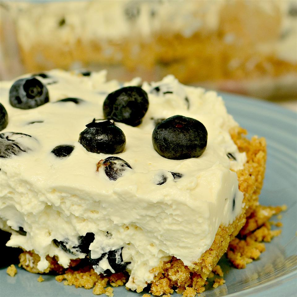 Ultimo's No-Bake Blueberry Squares on a blue plate
