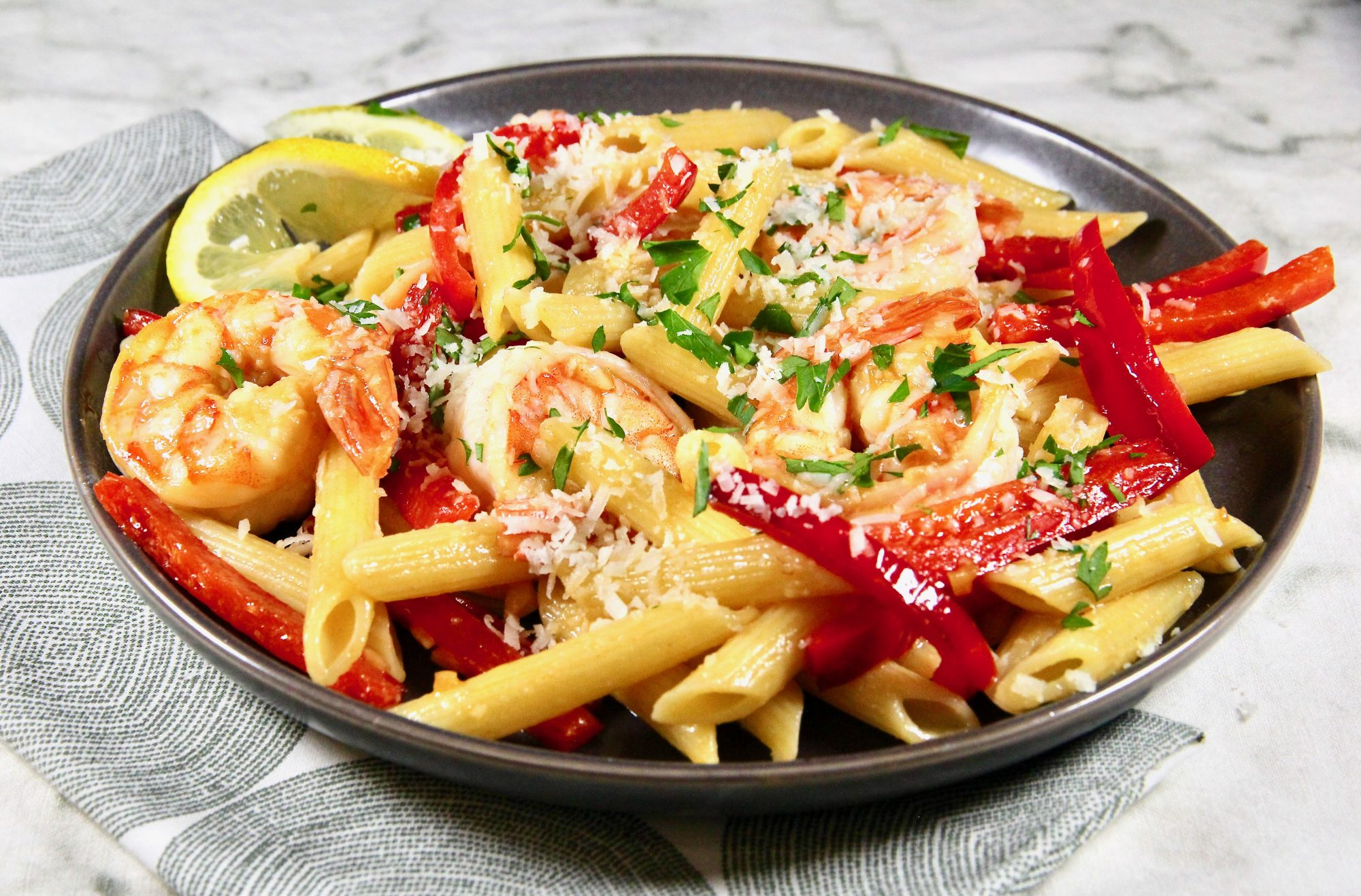 penne pasta with shrimp and peppers