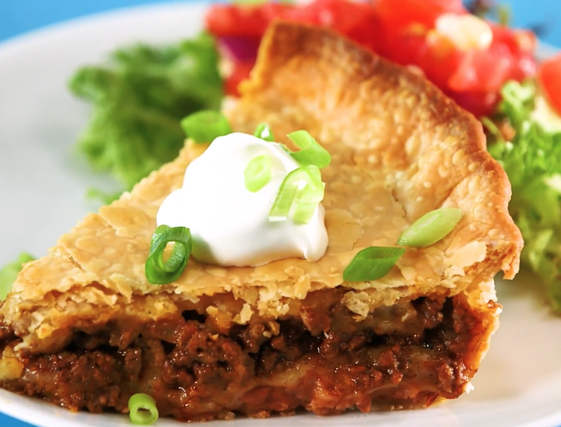how to make heavenly taco pie with sour cream and green onion