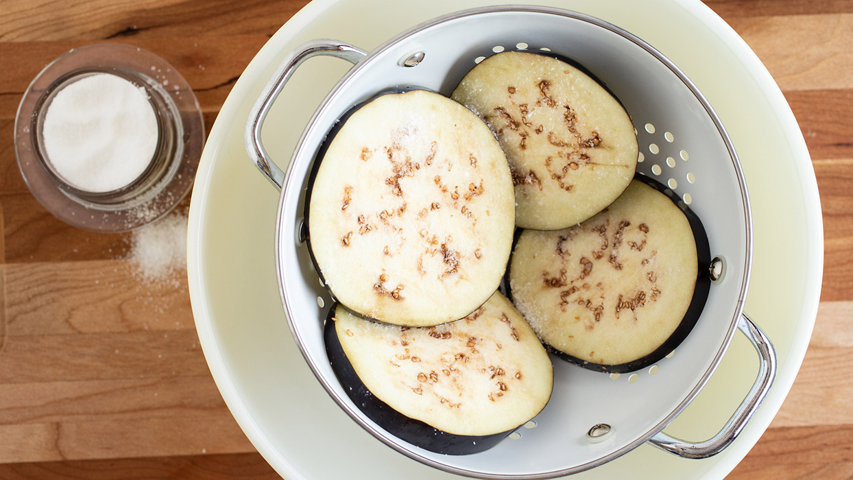 how to salt eggplant