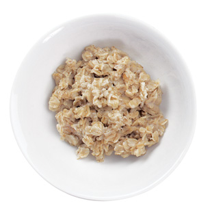 8 a.m. Eat a bowl of oatmeal with banana and walnuts.