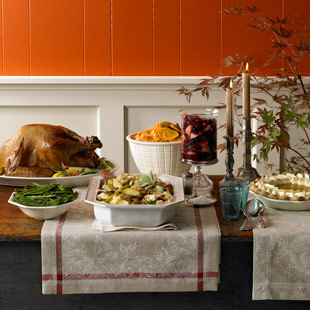 MCL_thanksgiving_table_101626838_Andy_Lyons.jpg