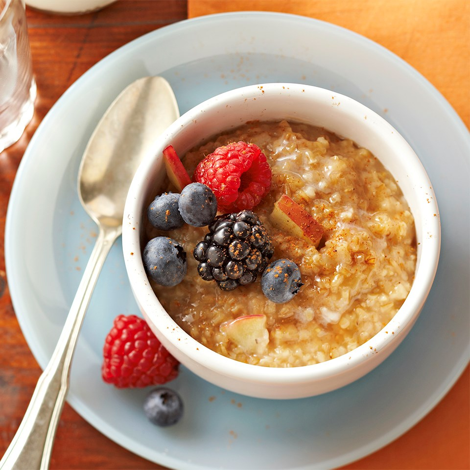 Spiced Apple Berry Oatmeal