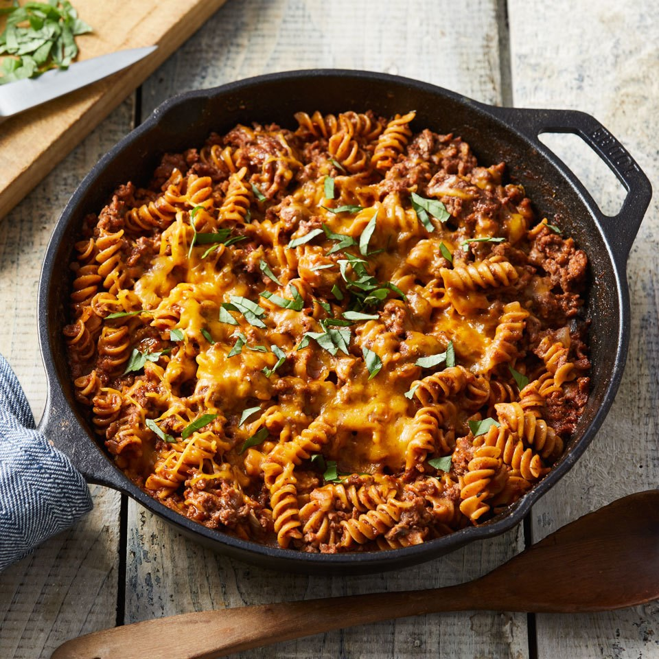 How to Make Cheesy One-Pan Beef & Pasta