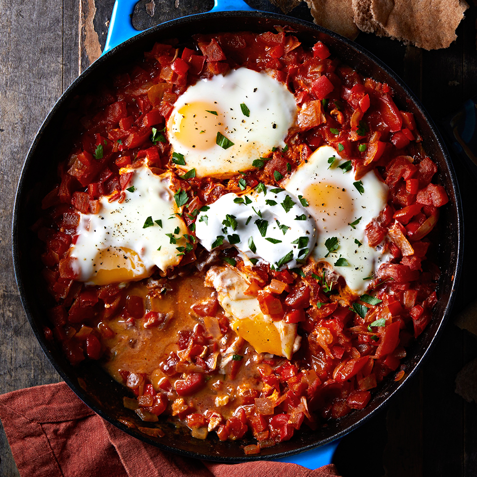 Mediterranean Egg and Tomato Skillet with Pita (Shakshouka)