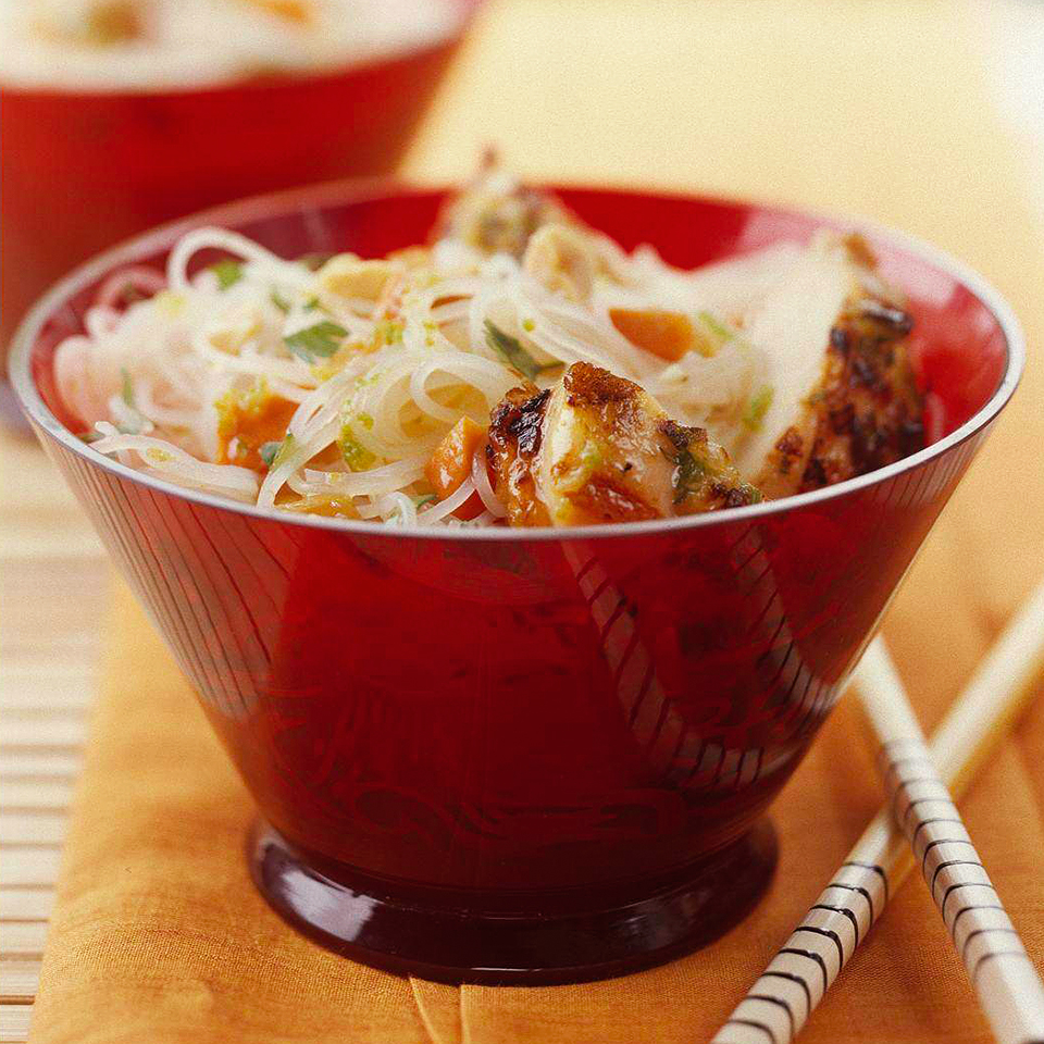 Ginger Chicken with Rice Noodles
