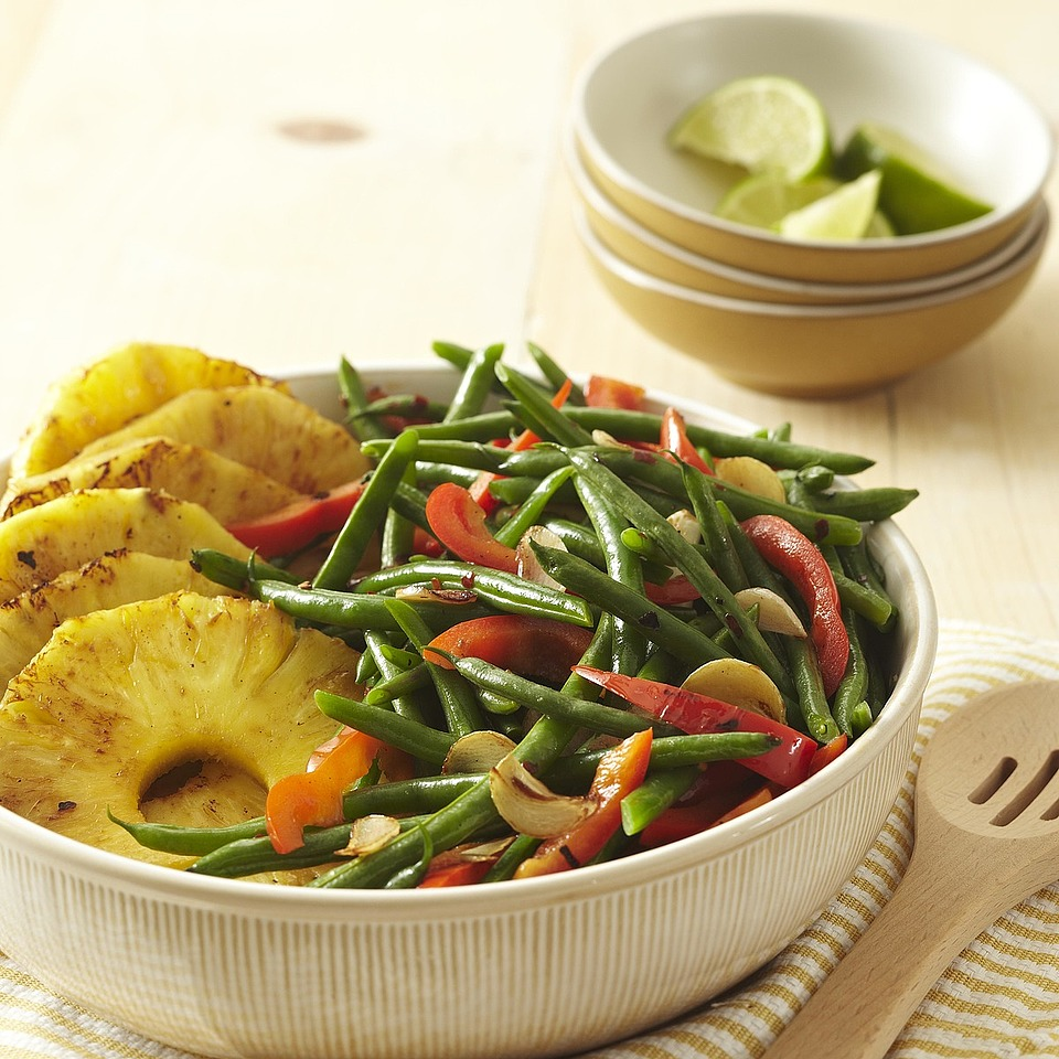 Green Beans with Peppers and Pineapple