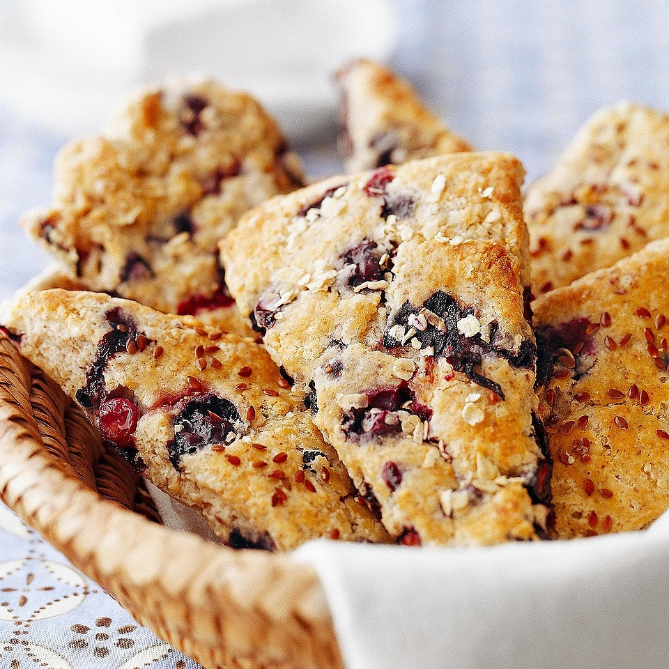 Blueberry-Oat Scones with Flaxseeds