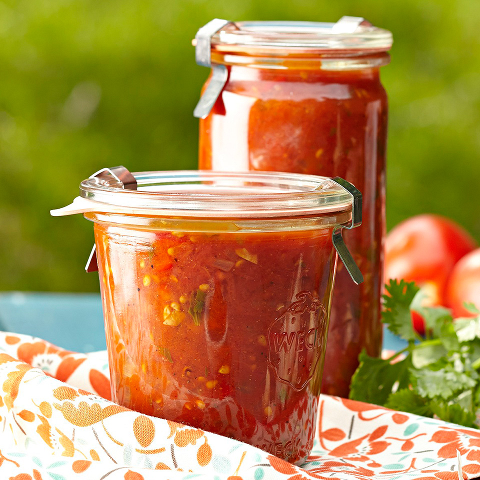 Smoky and Spicy Tomato Pasta Sauce