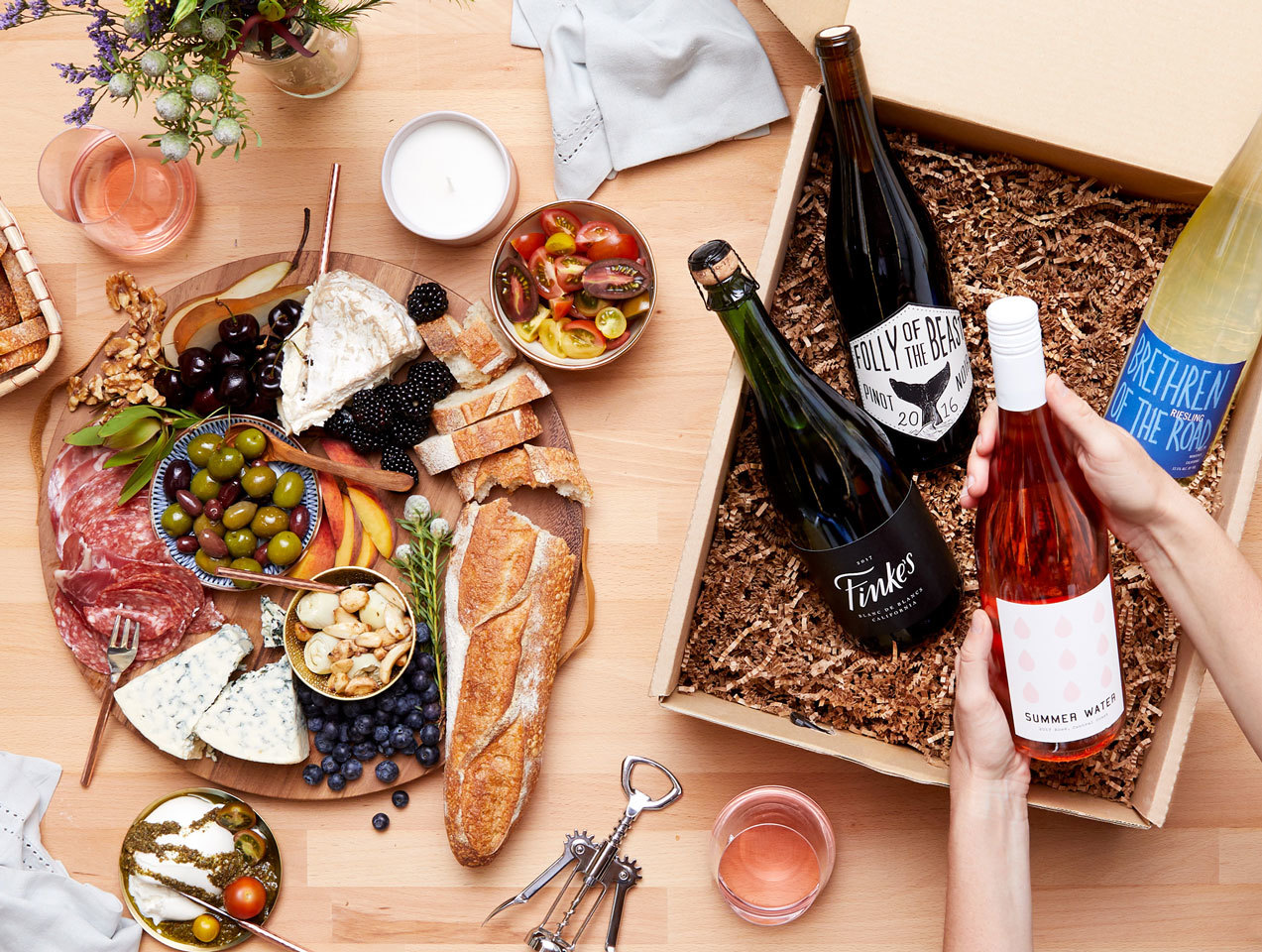 Food Gift Ideas Wine box and party platter