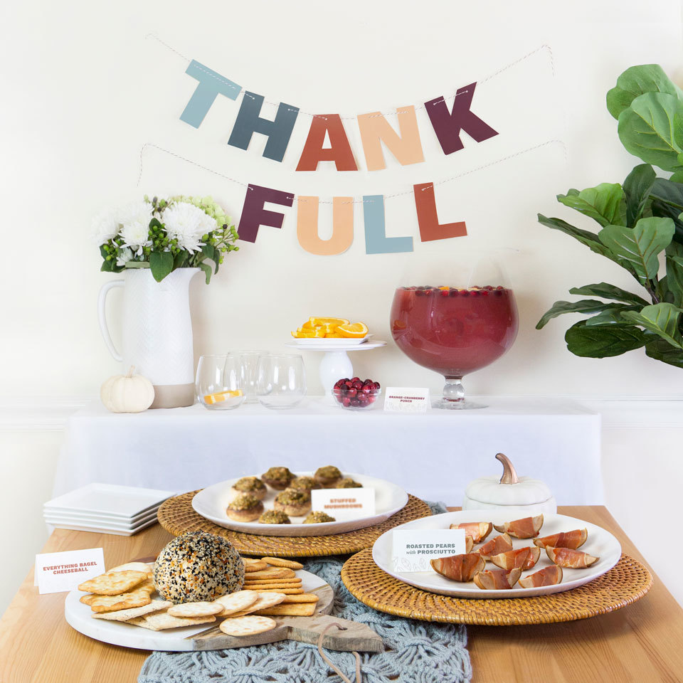 thank full banner with thanksgiving food