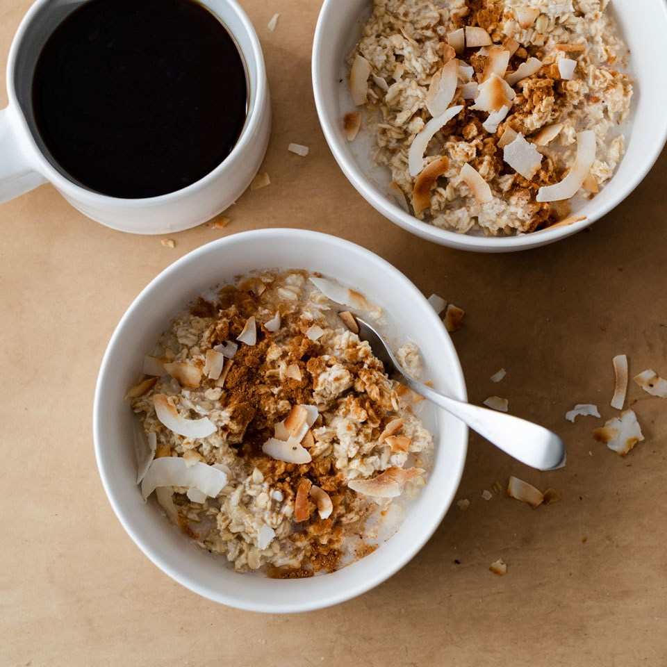 Coconut Chai-Spiced Overnight Oats