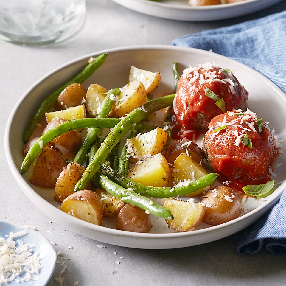 meatballs with roasted green beans and potatoes