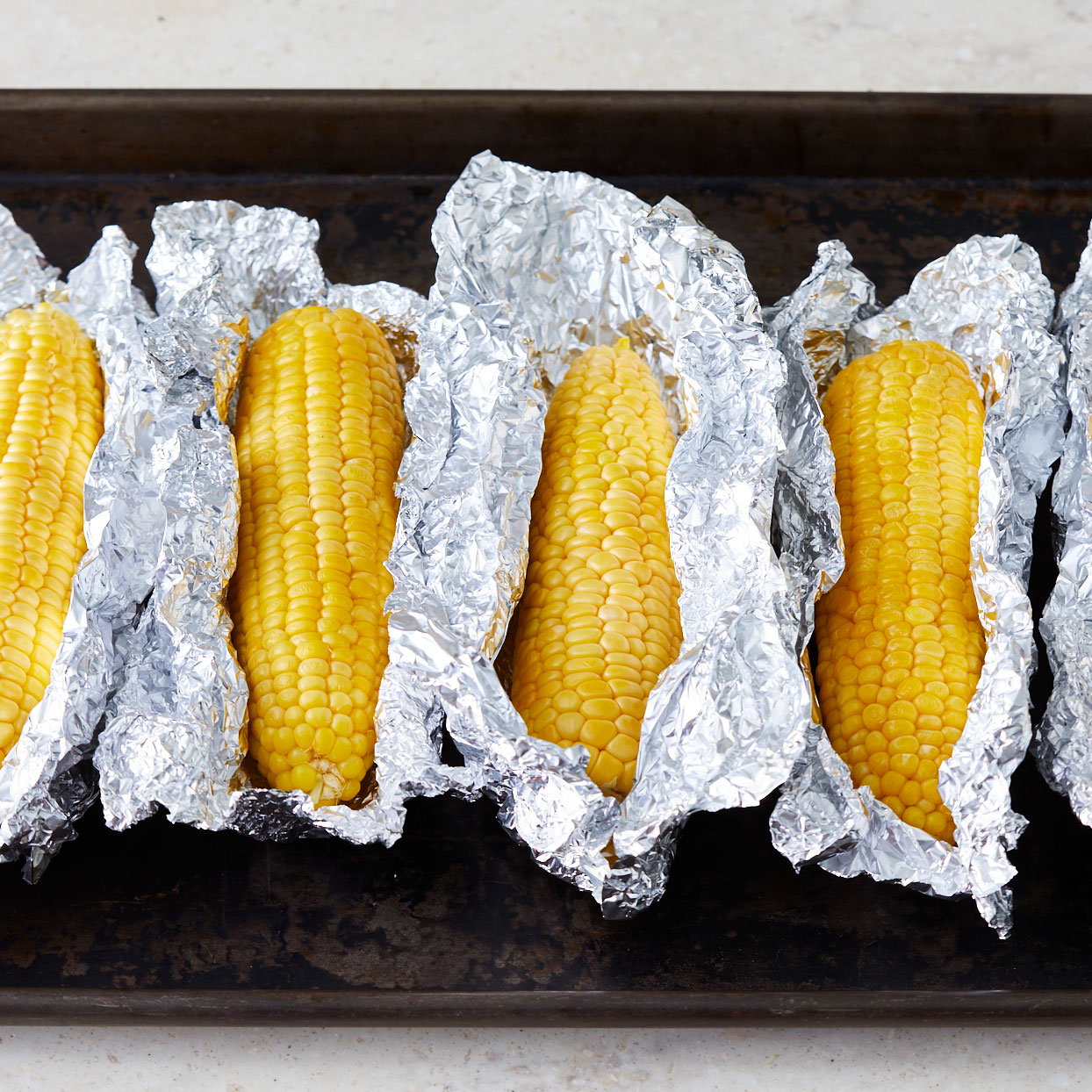 Grilled-Corn-on-the-cob-in-foil