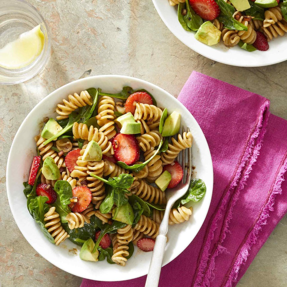 How to Make Spinach & Strawberry Pasta Salad