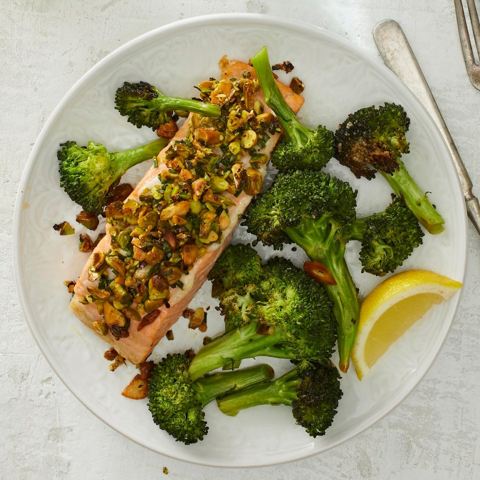 SPistachio-Crusted Salmon with Broccoli
