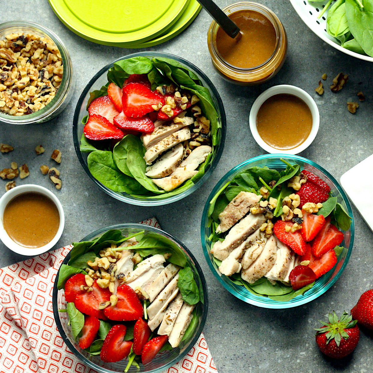 spinach & strawberry meal-prep salad