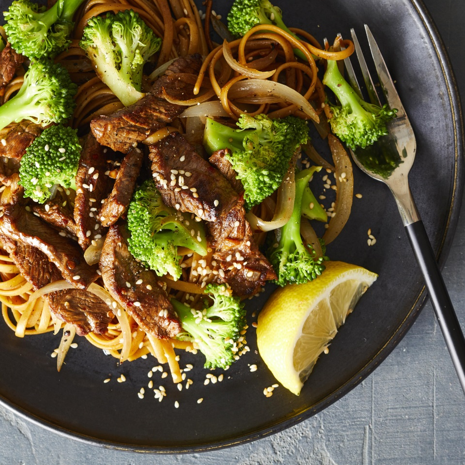 Day 22: Sesame-Garlic Beef & Broccoli with Whole-Wheat Noodles