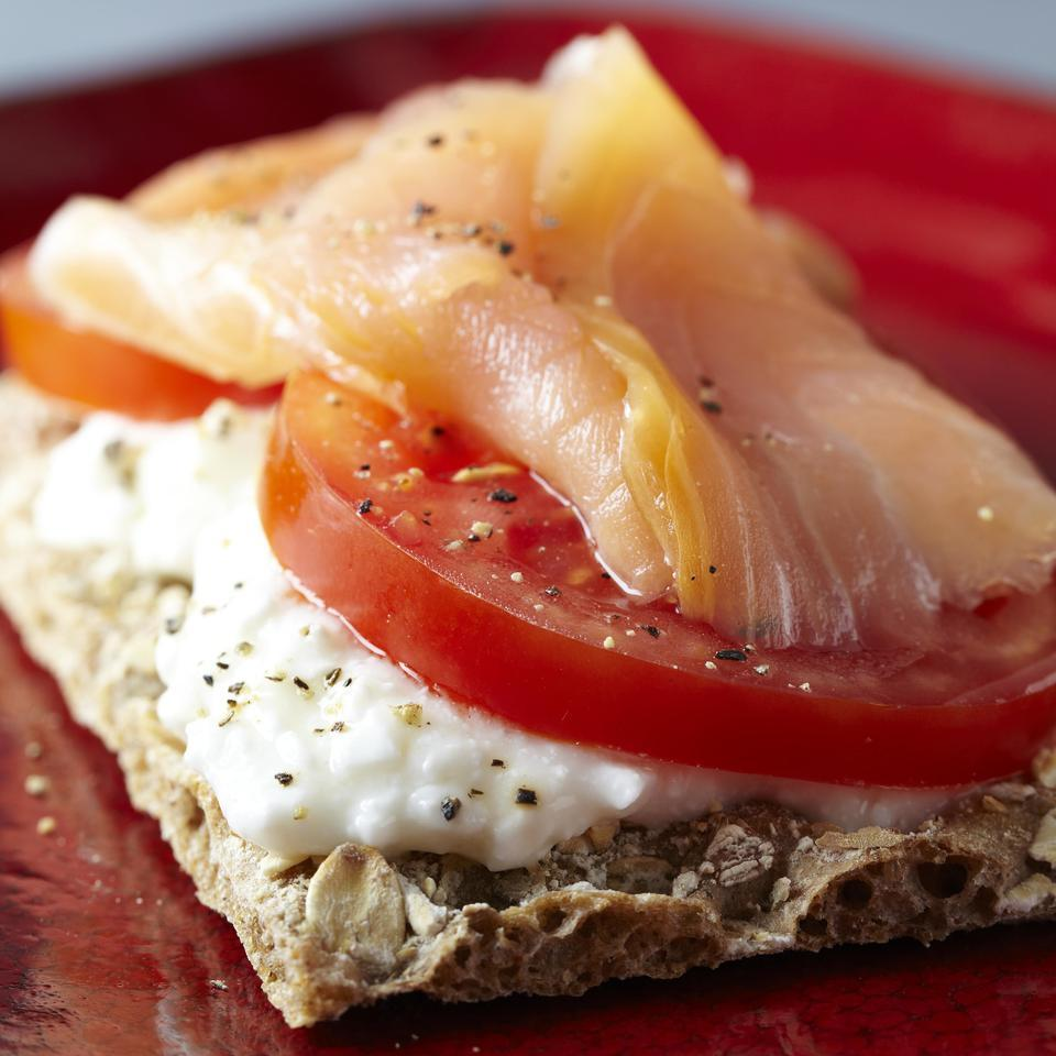Smoked Salmon Cracker