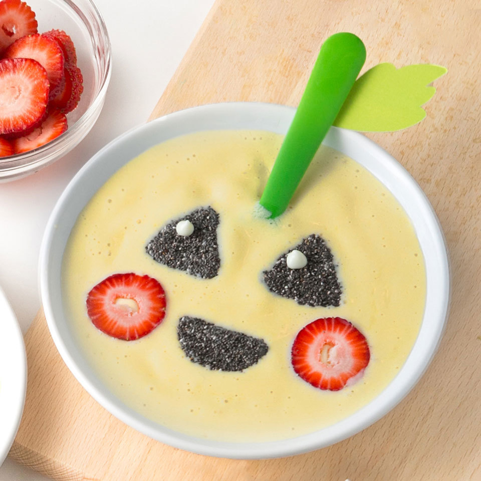 Jack-o'-Lantern Smoothie Bowl