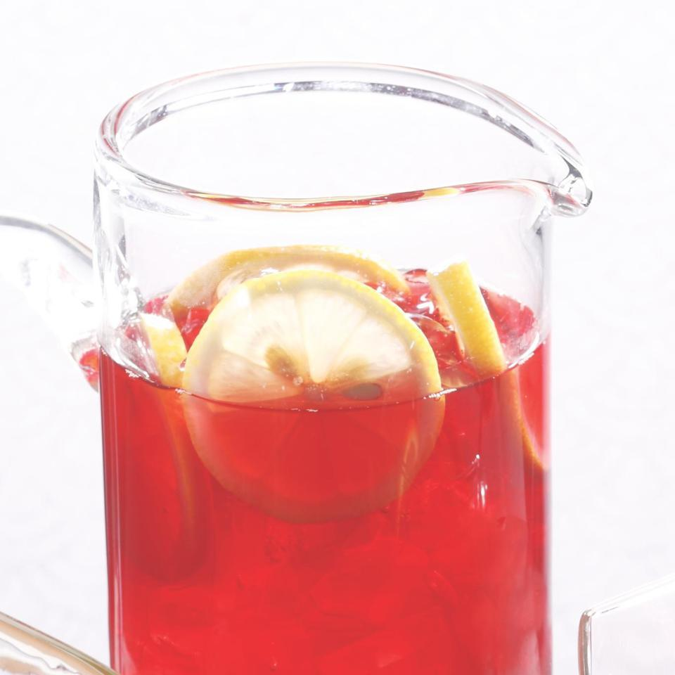 Hibiscus-Pomegranate Iced Tea
