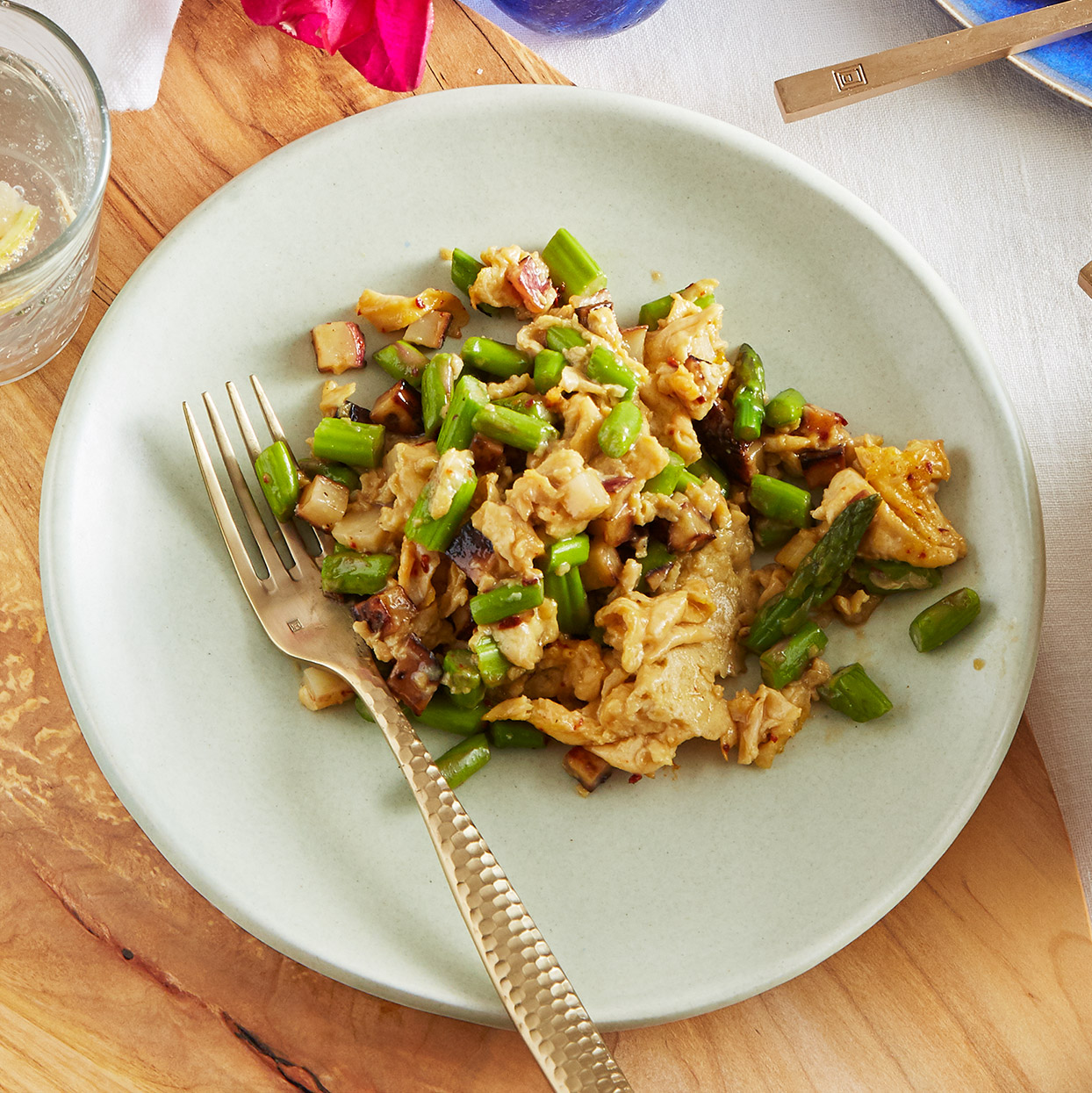 Wild Asparagus with Scrambled Eggs