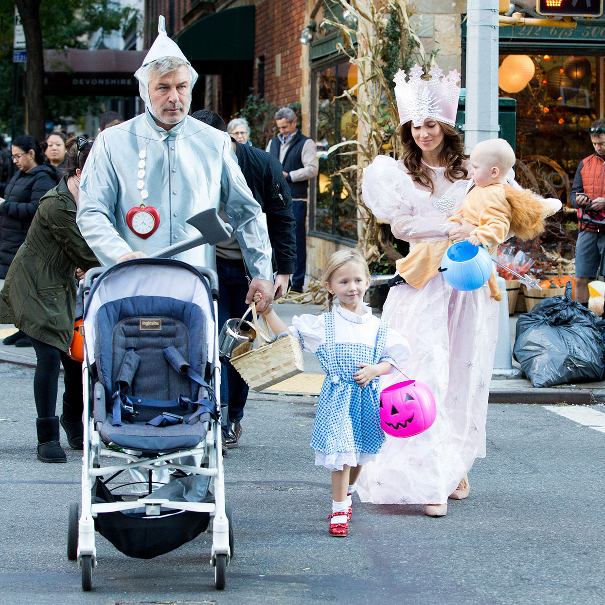The Baldwin family dressed as Wizard of Oz characters for Halloween