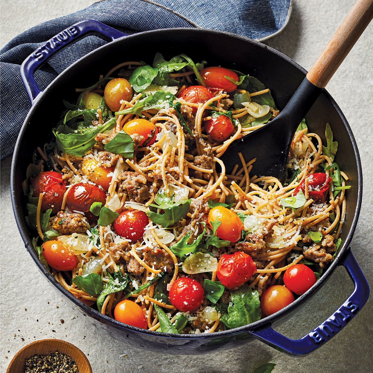 Whole-Grain Spaghetti with Italian Turkey Sausage, Arugula & Balsamic Tomato Sauce