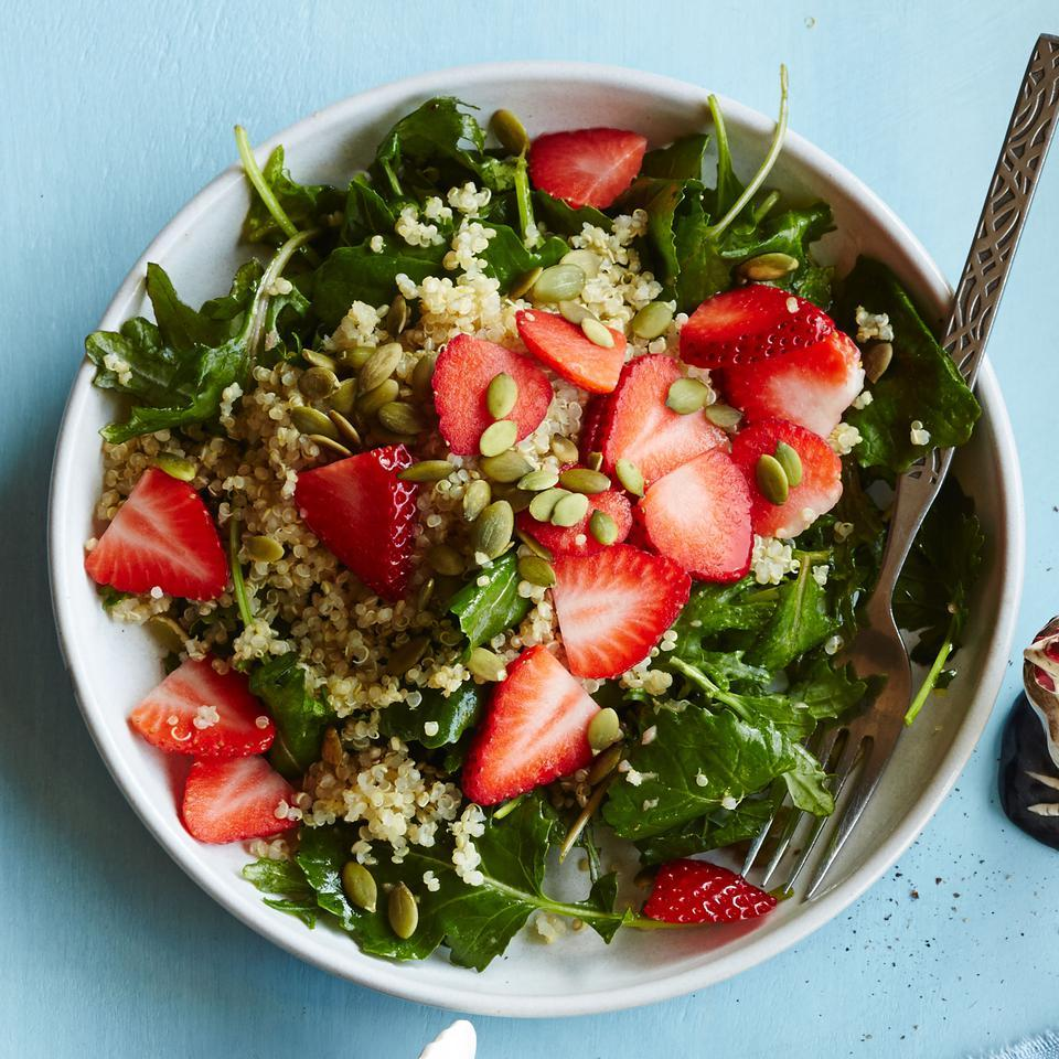 Baby Kale Breakfast Salad with Quinoa Strawberries