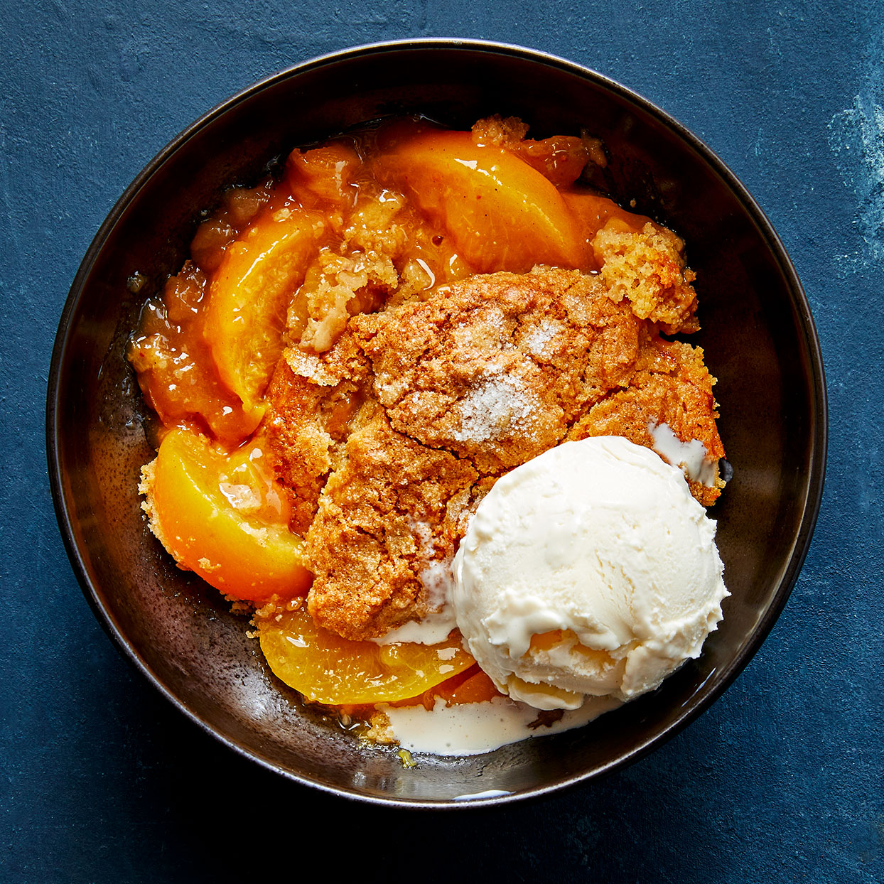 Crock-Pot Peach Cobbler