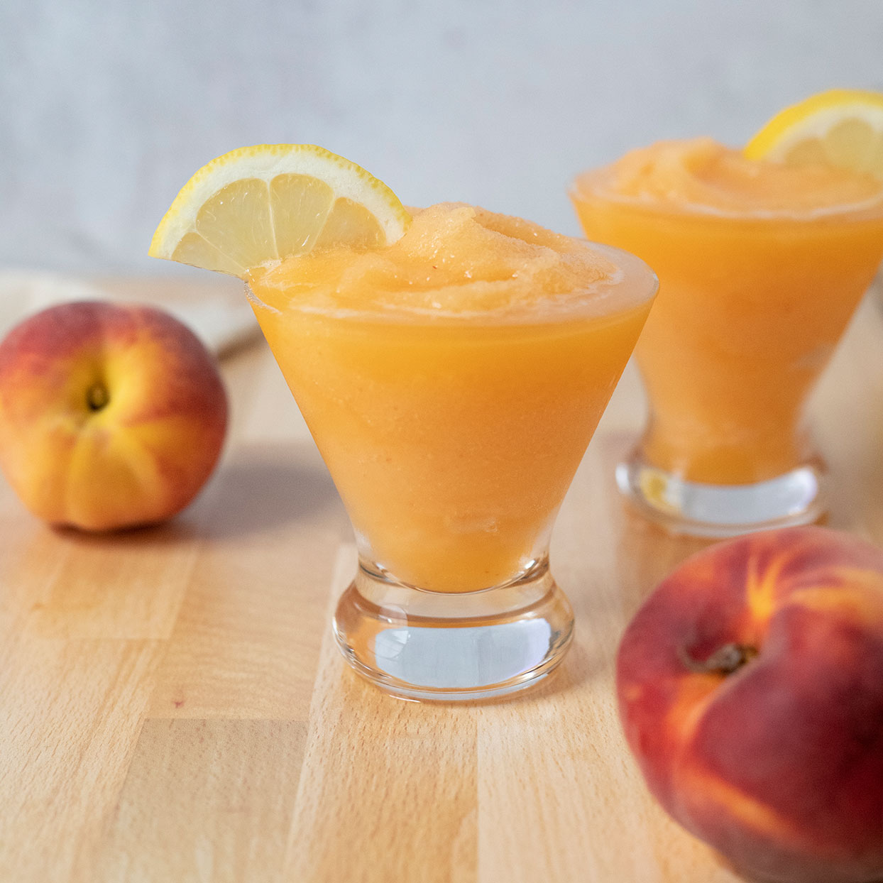 Frozen Peach Bee's Knees Cocktail