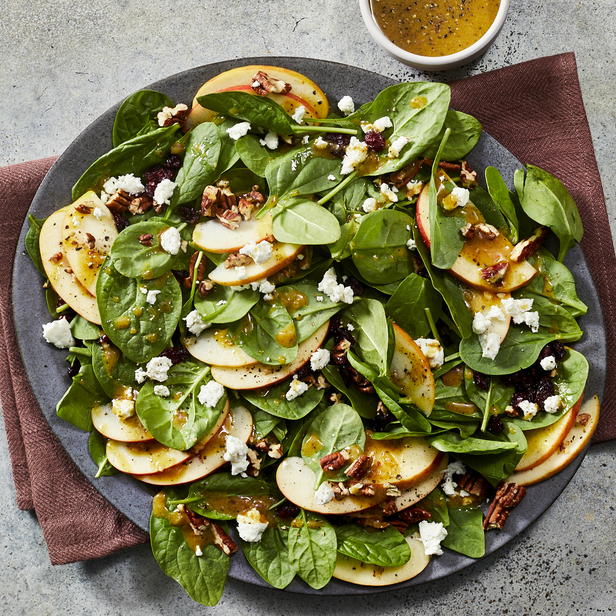 spinach salad with goat cheese