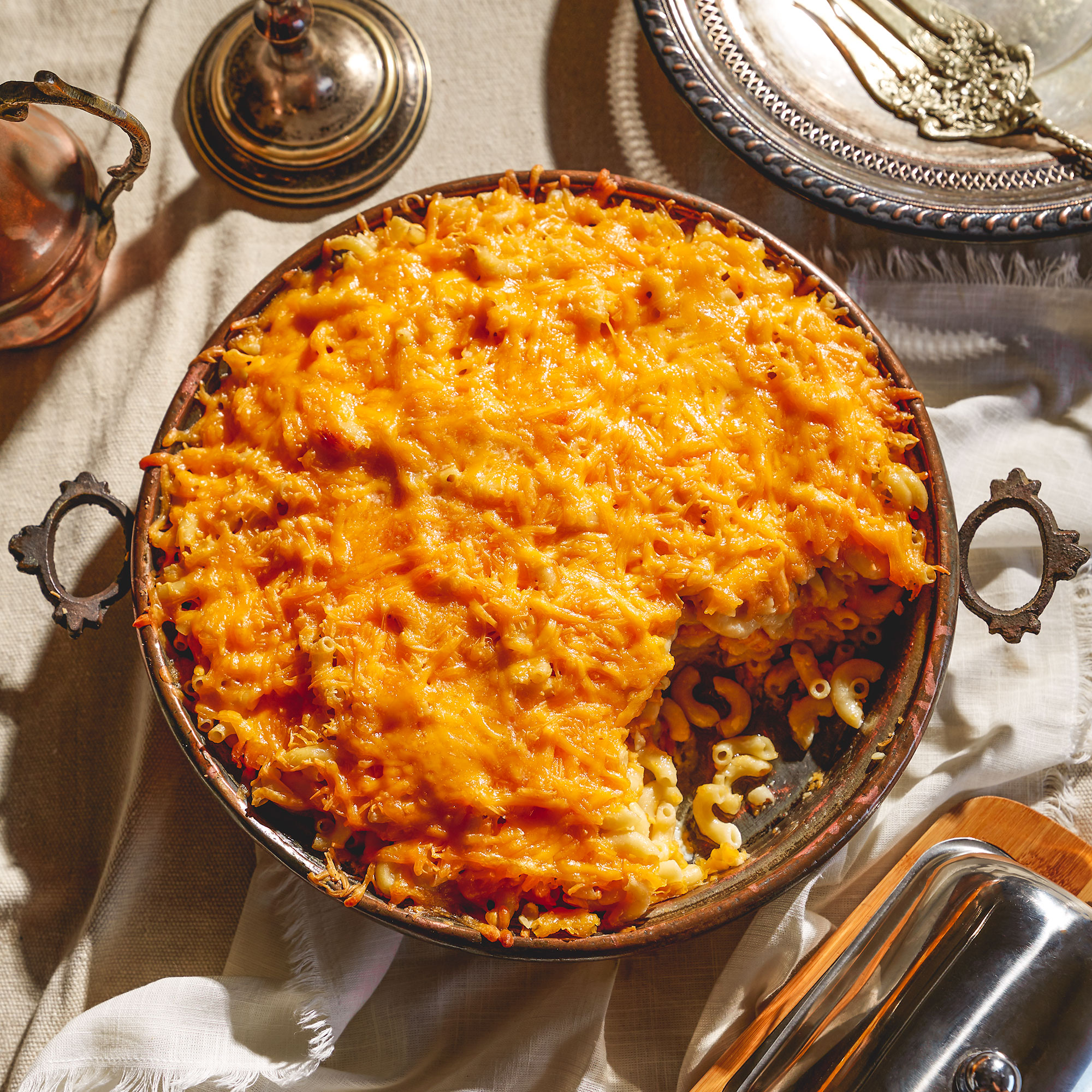 A dish of baked macaroni and cheese