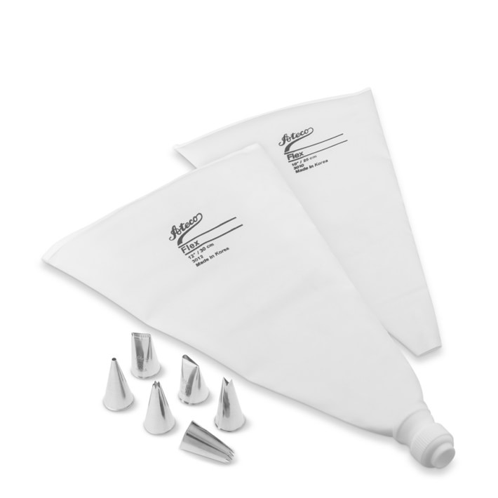 set of pastry bags and tips