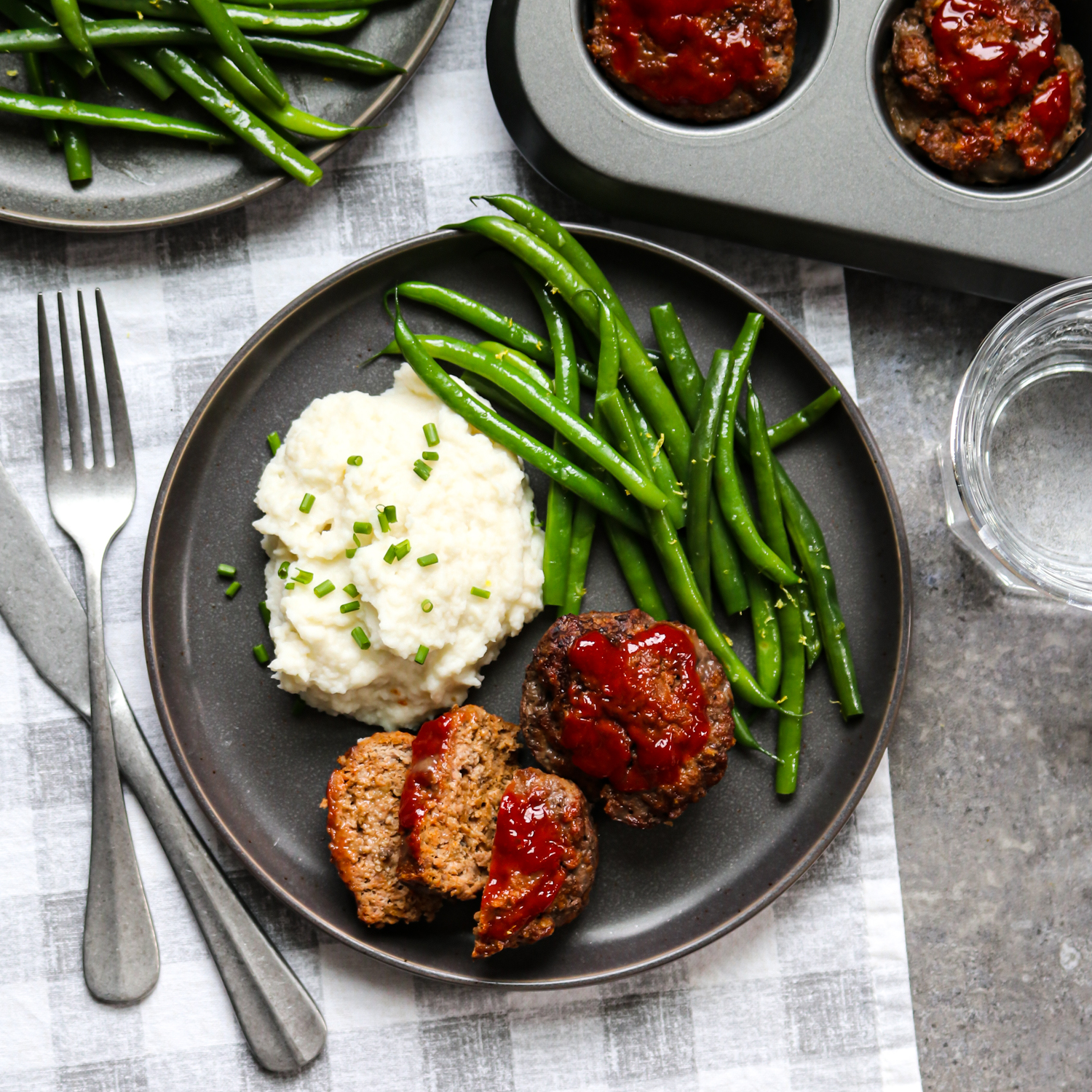 Mini Meatloaves with Whipped Cauliflower and Green Beans