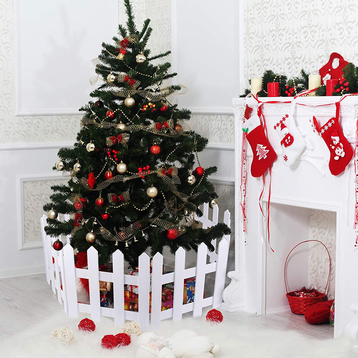 christmas tree wooden picket fence