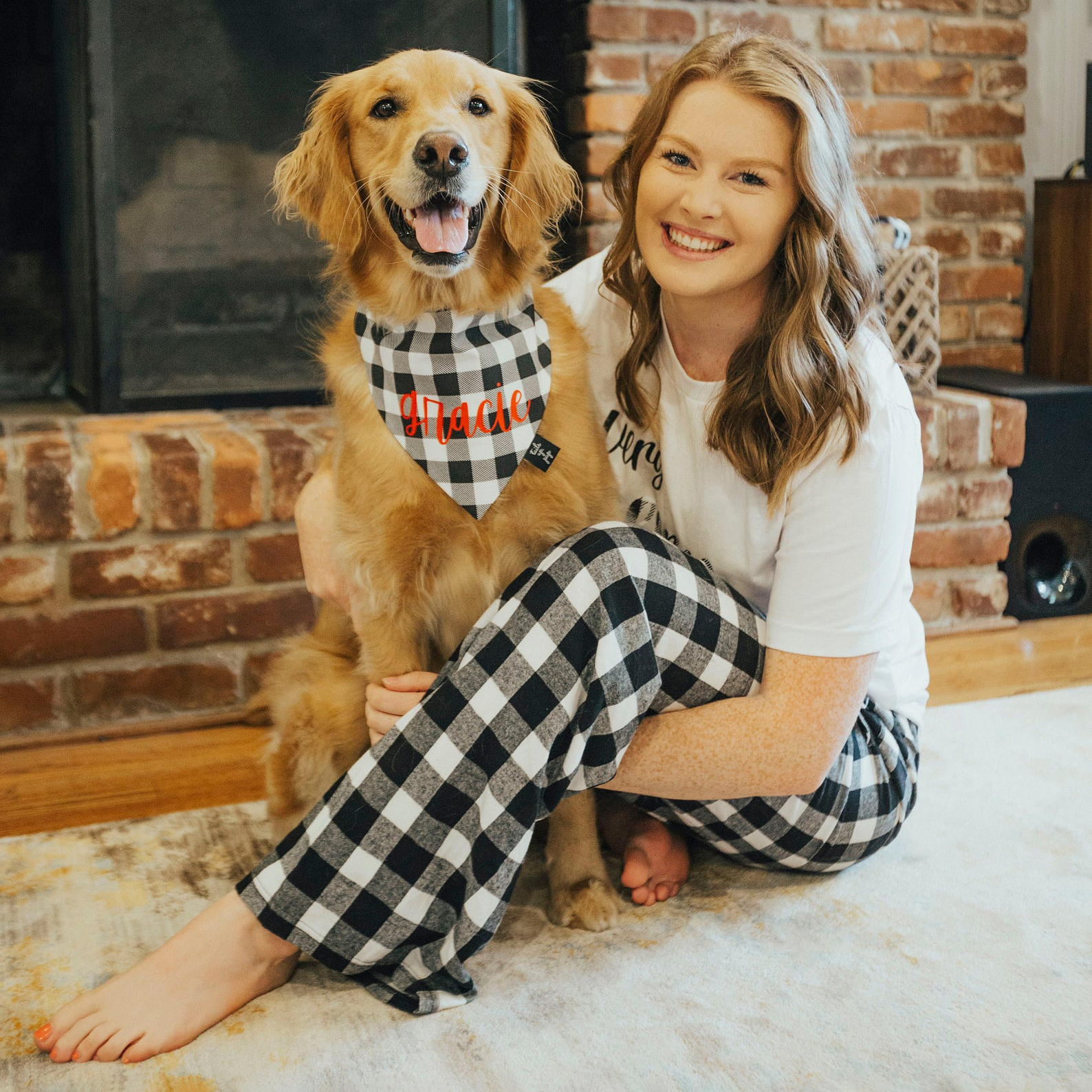 christmas-matching-pajamas-and-pet-bandana