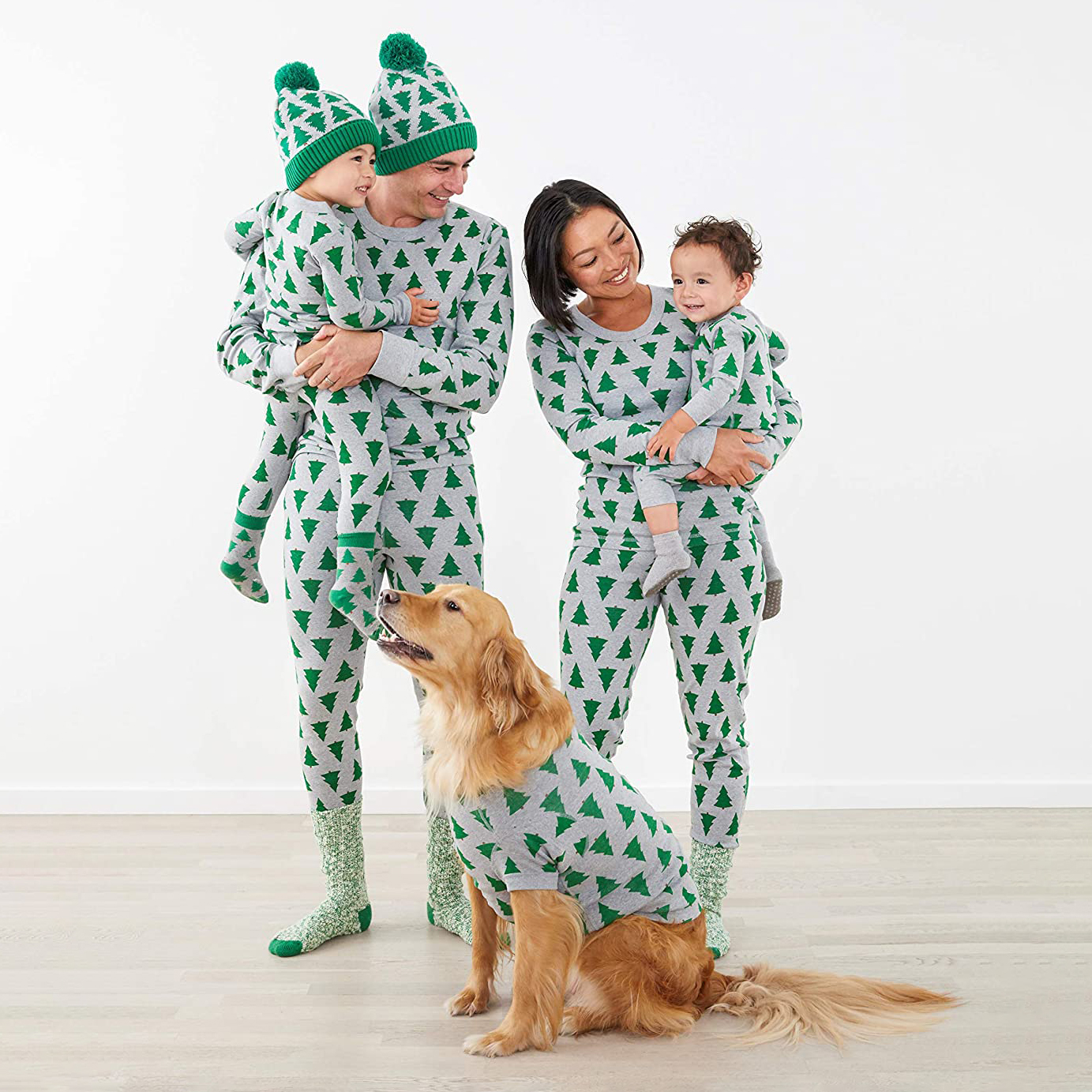 hanna-andersson-holiday-tree-family-pajamas