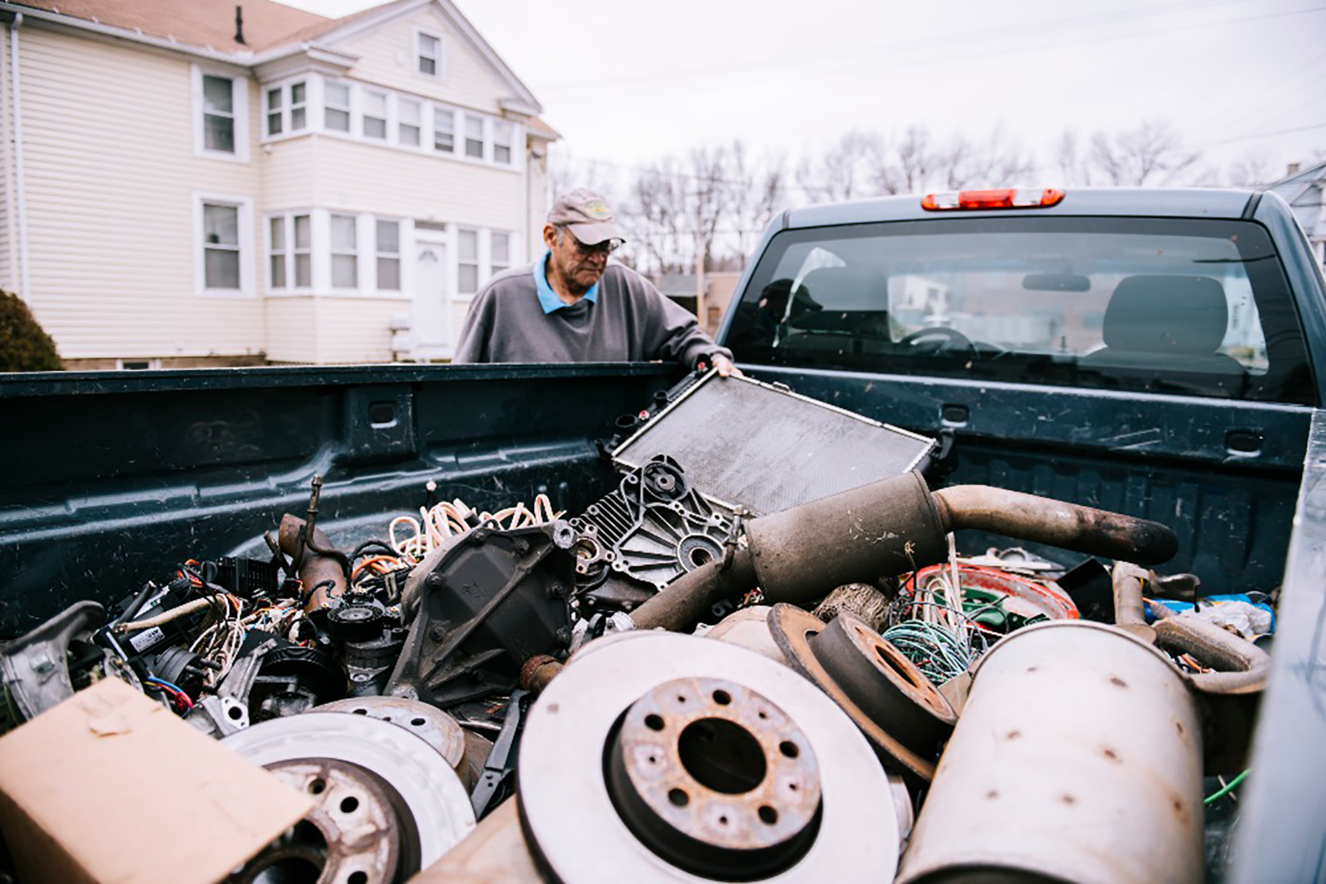 connecticut-veteran-collects-scrap-metal