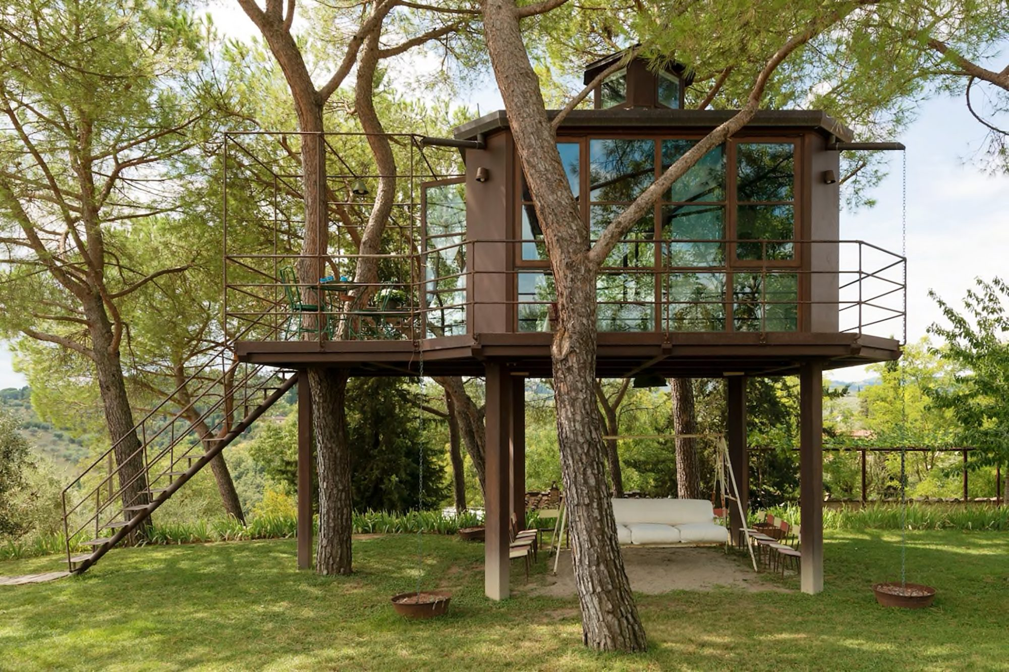 Treehouse Airbnb in Tuscany Italy